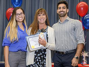 Dr. Amy Sussman, center