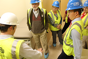 Drs. John Galgiani and Steven Wang on tour of Banner - University Medicine North Building 2