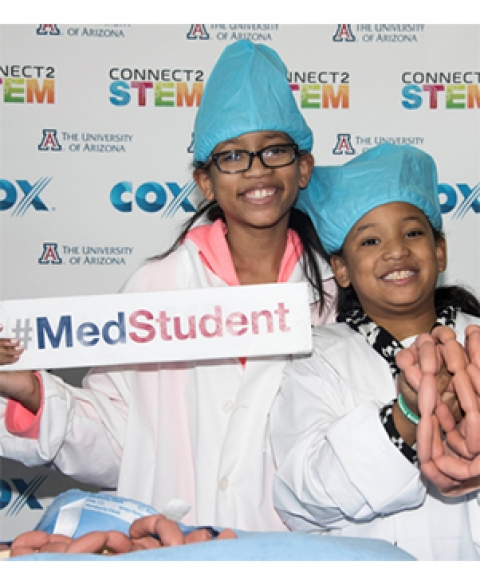 Future doctors at COM-Phoenix Connect2STEM event
