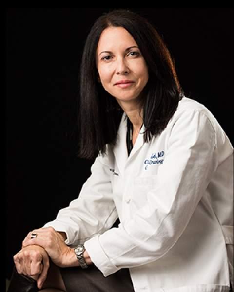 Dr. Clara Curiel-Lewandrowski